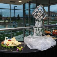 catering dominos centerpiece